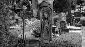 12. Pieta. Gravestone. Oak. h 290, sculpture h 140..jpg