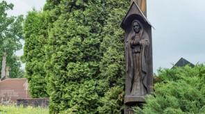 1. Sopulingoji, Nukryžiuotasis. Antkapinis paminklas. Ąžuolas. h 400, skulptūra 130
