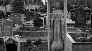 5. The Virgin Mary. Gravestone. Oak. h 240, sculpture h 100.