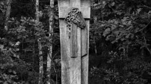 9. Torture. Way-side shrine. Oak. h 600.